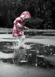 jumping-puddles-color-bw